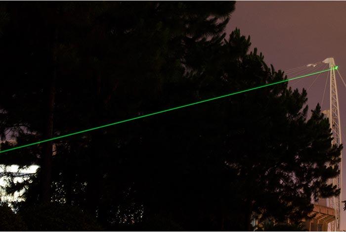 害虫駆除用のレーザーポインター
