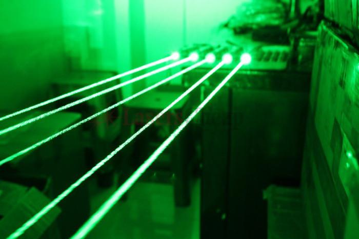 レーザーポインター激安精度が高く