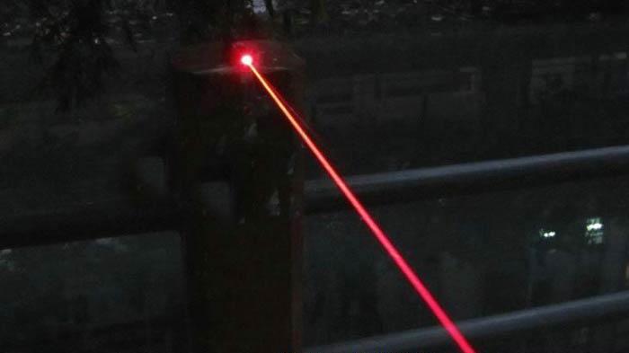 激安レーザーポインター 1000mw