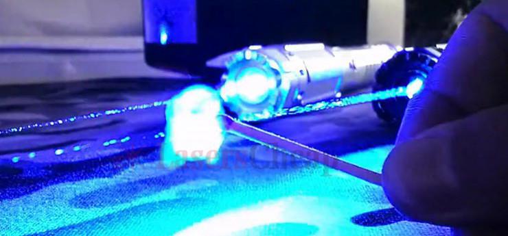 30000mw青色 レーザーポインター