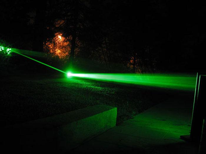 10000mW最強レーザーポインター